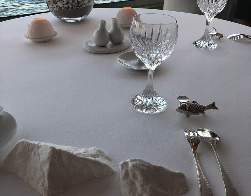 gastronomic table setting